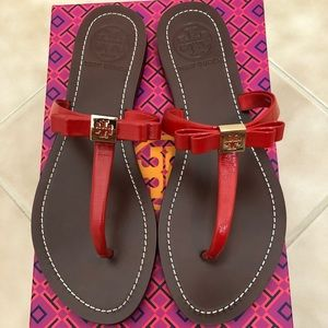 Tory Burch Leighanne Flat Thong - Patent Saffiano